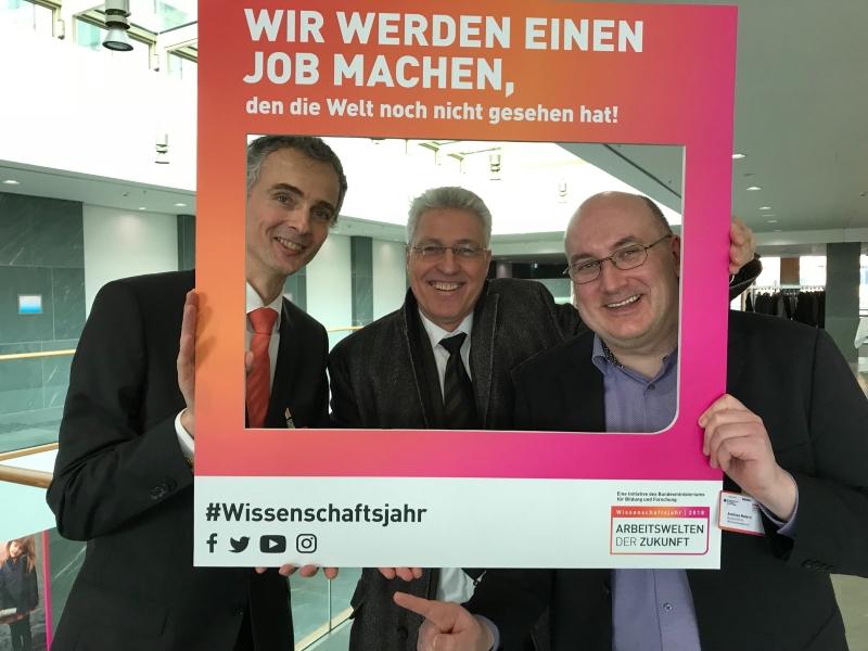 Georg Schnauffer, Peter Pawlowsky und Andreas Matern (von links) ©BMBF/Wissenschaftsjahr 2018